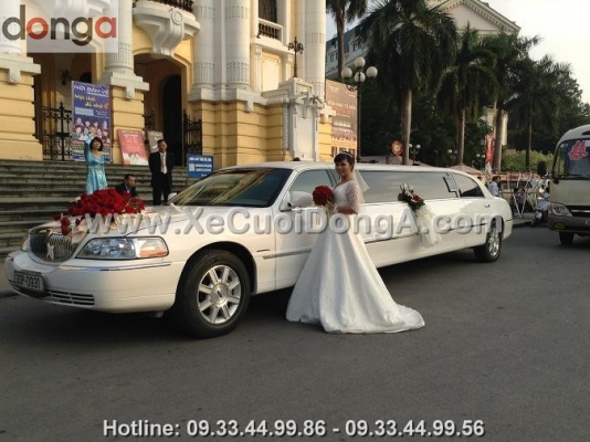 thue-xe-cuoi-limousine-3-khoang (1)