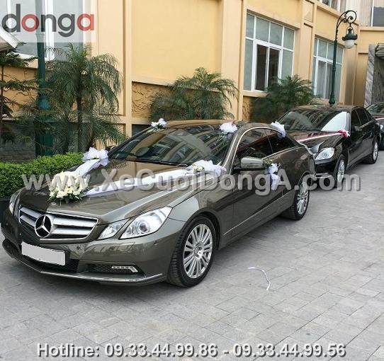thue-xe-cuoi-mercedes-E400-ha-noi (1)