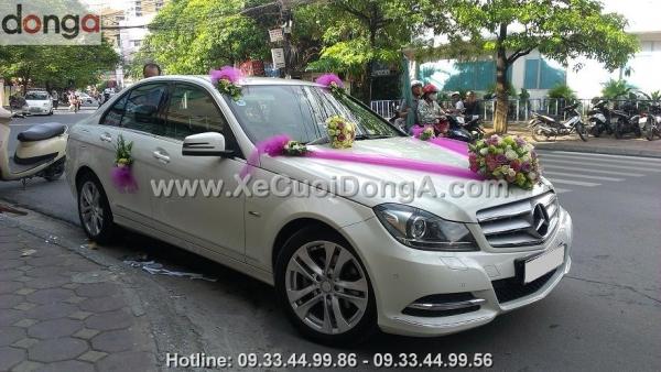 thue-xe-cuoi-mercedes-c200-ha-noi (3)