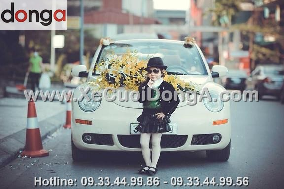 album-hinh-anh-khach-hang-ben-xe-cuoi-volkswagen (10)