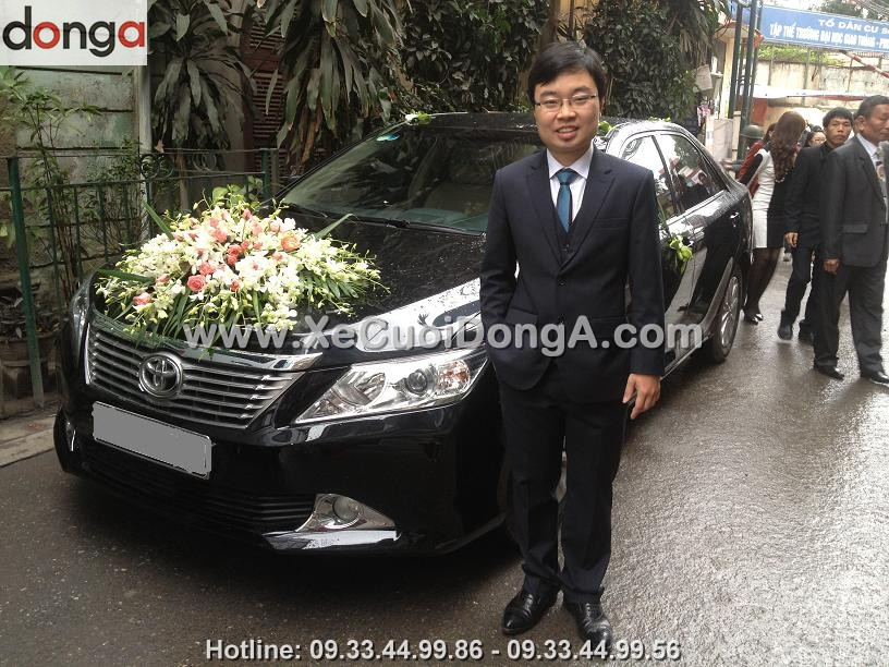 album-hinh-anh-khach-hang-thue-xe-cuoi-camry (13)