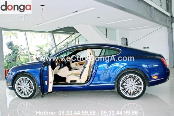 xe-cuoi-Bentley-GT-mau-xanh-cho-cac-doi-uyen-uong (2)